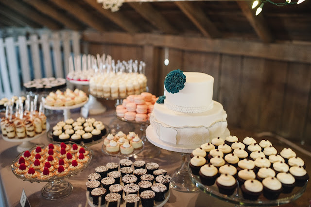 MN Barn Wedding Desserts