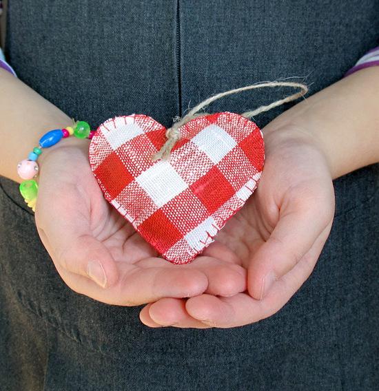 красные сердечки, hearts ornaments