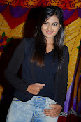 Neha deshpande new photos-thumbnail-20