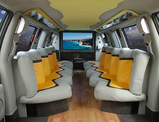 airsidelimo party in luxurious limo. Black Bedroom Furniture Sets. Home Design Ideas