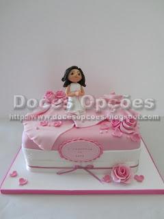 bolo primeira comunhão rosa