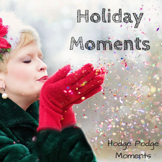 Holiday Moments: Printable December Calendar