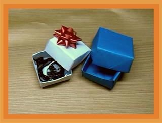Caja básica hecha con papel