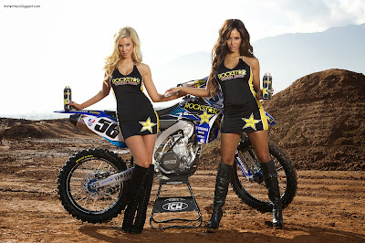yamaha-supercross-motorcycle-bike-girls-woman-blonde-hd-pc-desktop-wallpaper-racer