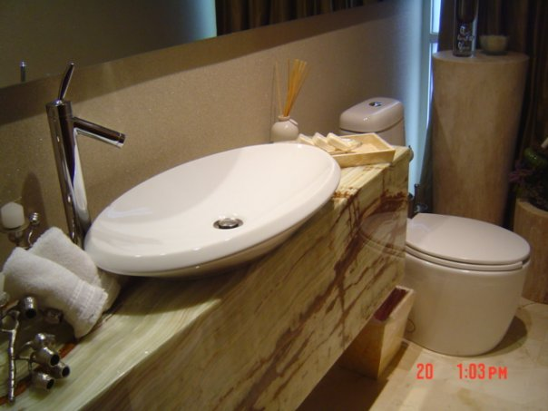 Baños Modernos Acabados:Elegante diseño para baño moderno y contemporáneo con acabados tipo