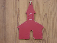 décorations-de-Noël-église-rouge-bois-découpé