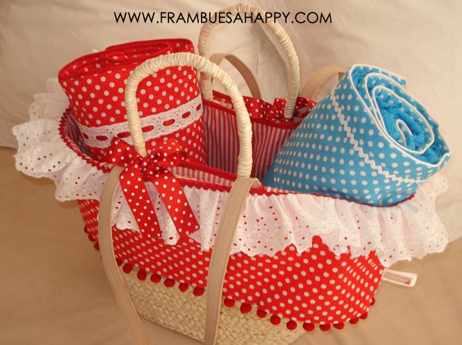 Frambuesa happy cesta de palma con toalla personalizada - Cestas de playa personalizadas ...