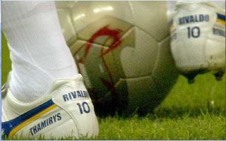 rivaldo foot, freekick