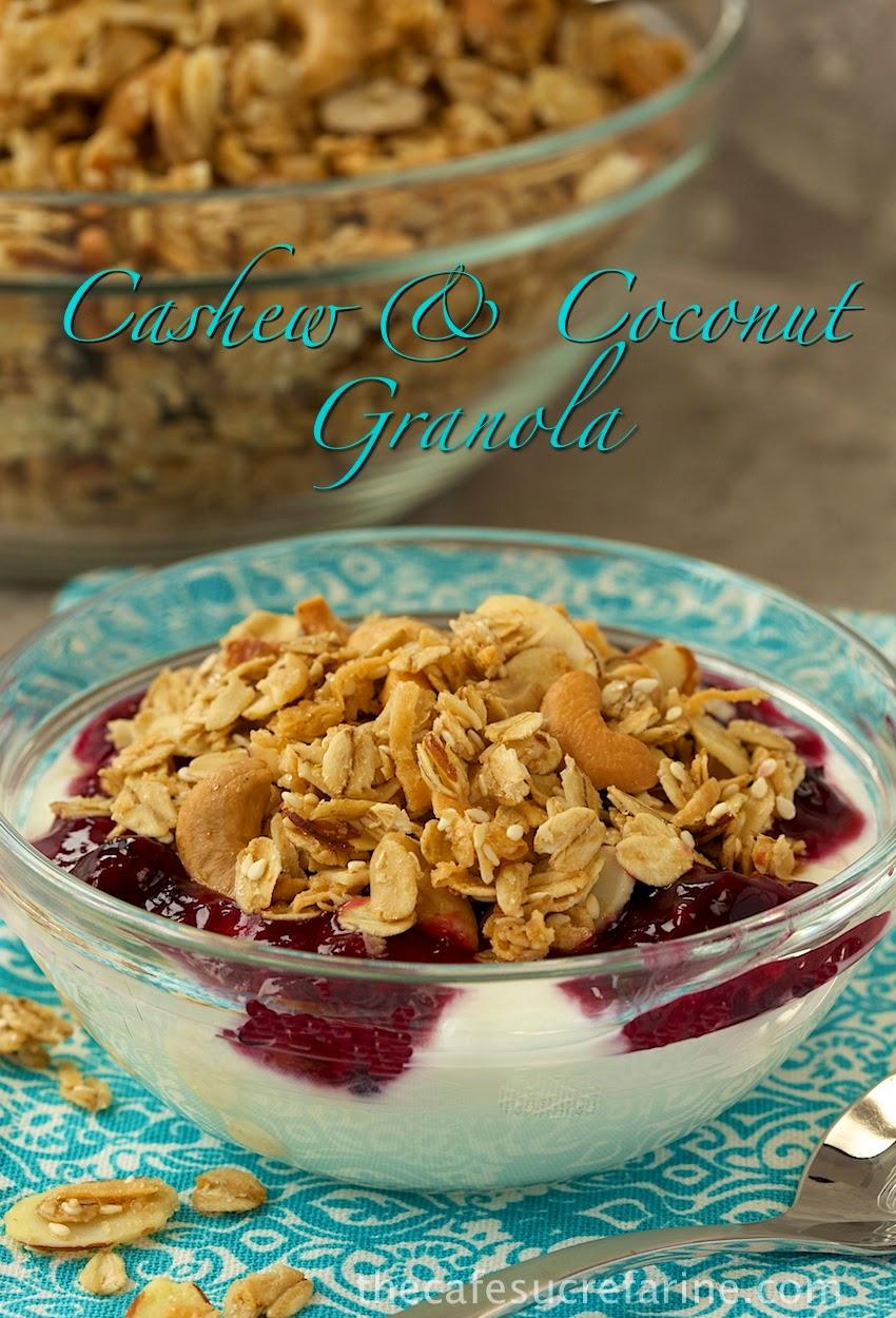 The Best Granola Recipe – w/ Cashews & Coconut