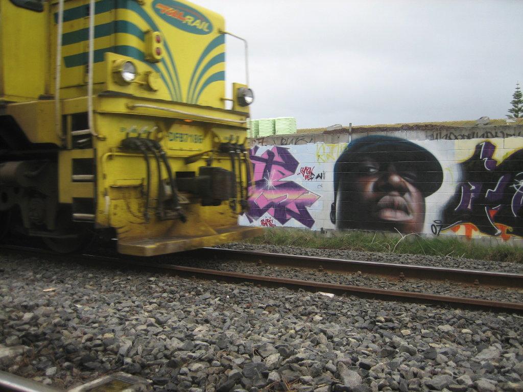 http://1.bp.blogspot.com/-vpMKlvnjhUI/T4mJBXHK_uI/AAAAAAAADPE/inDJTi9T9pQ/s1600/biggie+smalls_owen_dippie+-+hip+hop+wallpaper.jpg