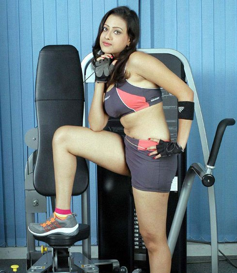VERY VERY SEXY WALLPAPERS OF TELUGU ACTRESS MADALASA SHARMA unseen pics