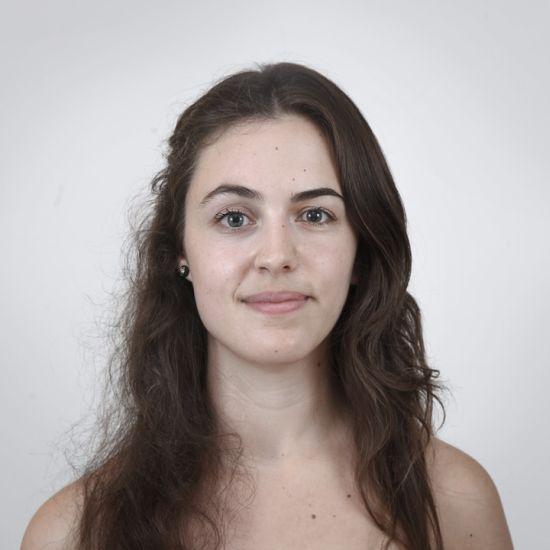 Ulric Collette fotografia surreal photoshop retratos genéticos família rostos misturados autorretratos Irmãs - Gabrielle (28 anos) e Léa (25 anos)