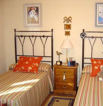 Camas simples deco dormitorios - Habitaciones de forja ...