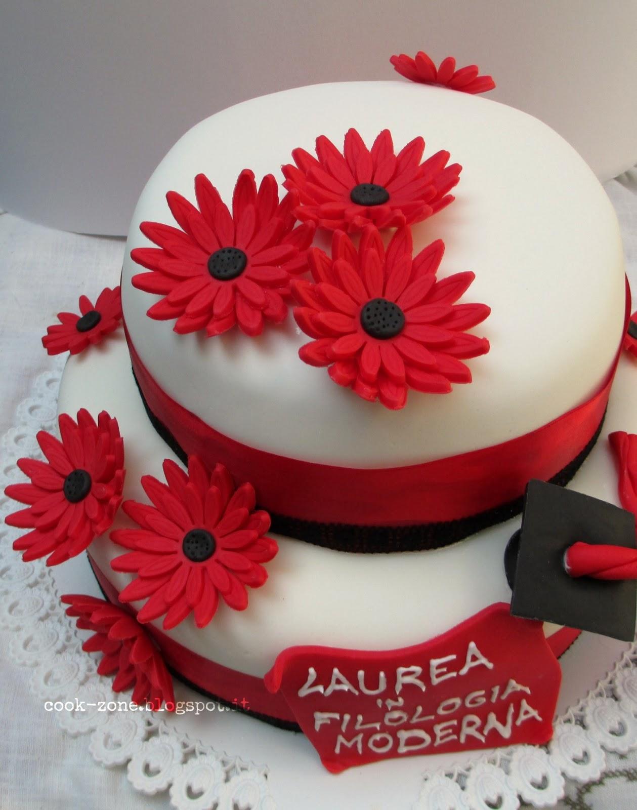 Cook zone torta a due piani con gerbere rosse per la mia for Decorazioni per torte di laurea