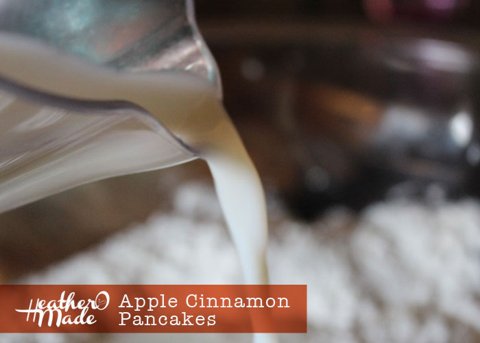 apple cinnamon pancakes. heatheromade. recipe. thanksgiving morning