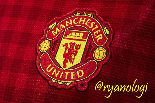 Manchester United FC Logo 2013-2014