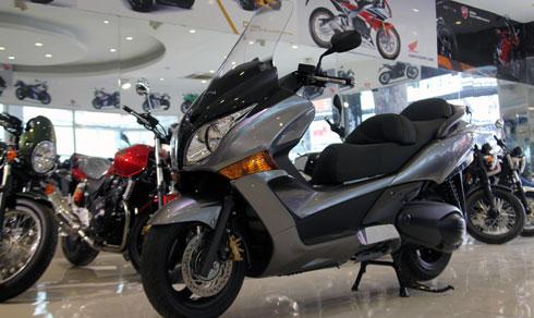 Mẫu xe Honda Silver Wing GT600 ABS tại Việt Nam.