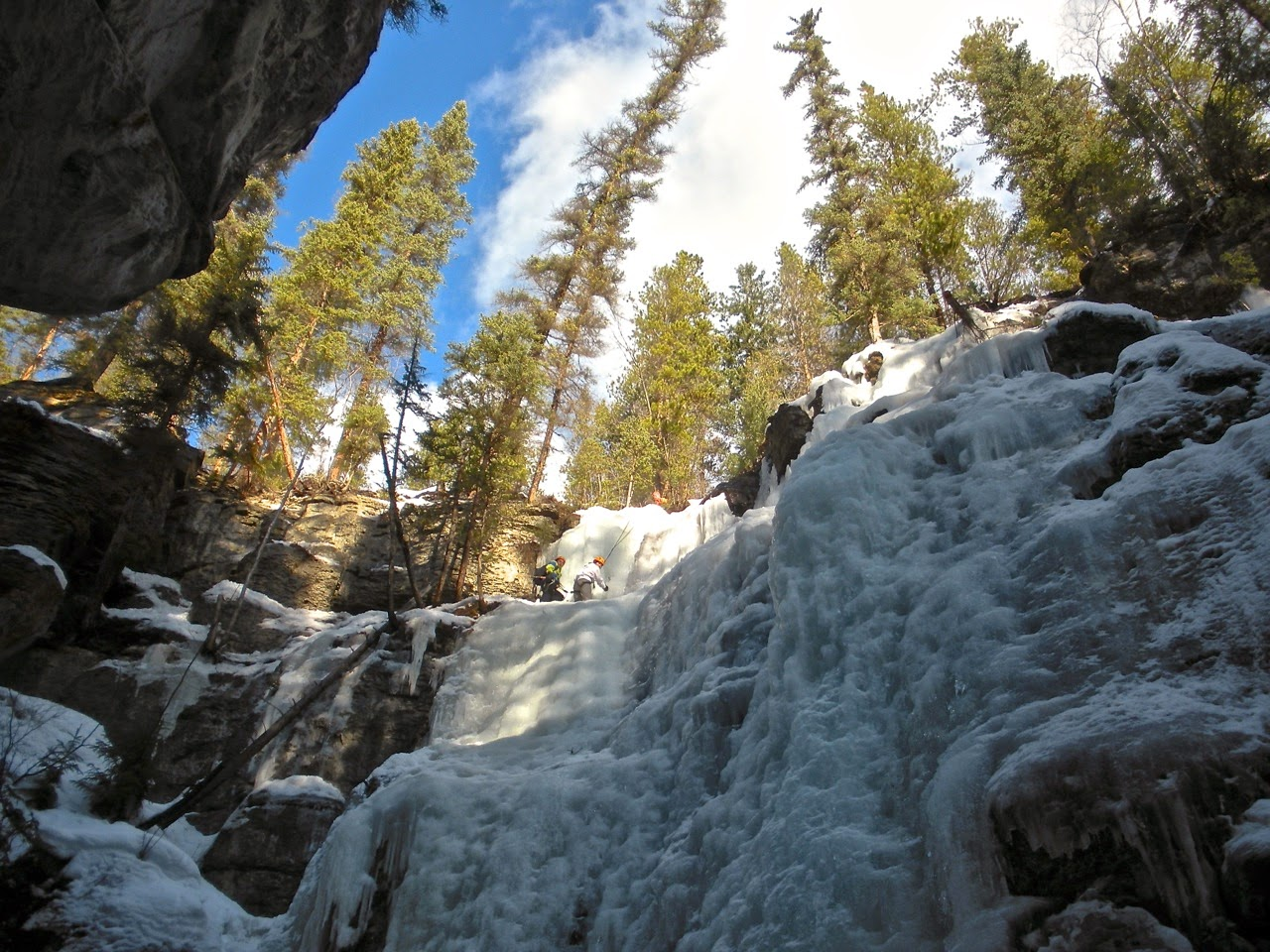 maligne canyon ice climb