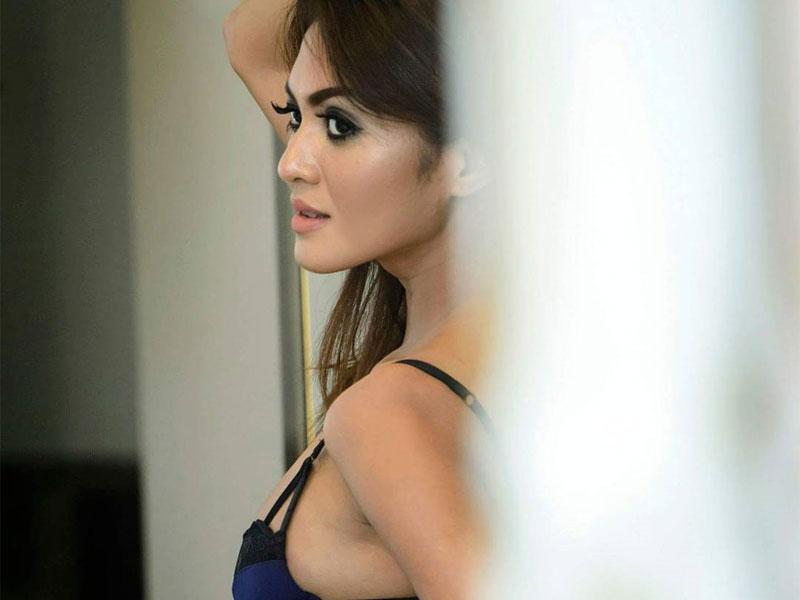 Sisil Foto Model Hot Kalia