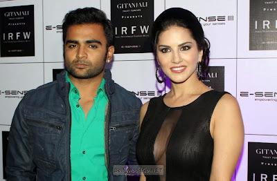 http://1.bp.blogspot.com/-vqlwyWWfqE0/UtqfooOk6YI/AAAAAAADOWM/wIydpb7zGPc/s1600/Celebs-At-3rd-Edition-of-India-Resortwear-Fashion-Week-2013-32.JPG