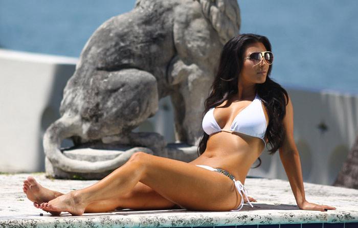 Kim kardashian pics hot bikini, korian movie my girl