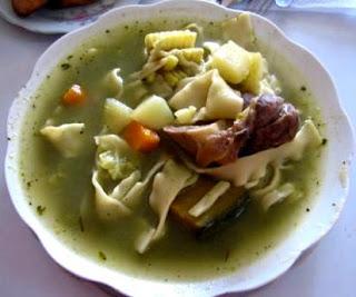 Plato con Sopa de Menestrón