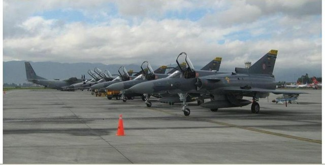 Colombian Armed Forces. Kfir%2BC10%2Bcolombia11
