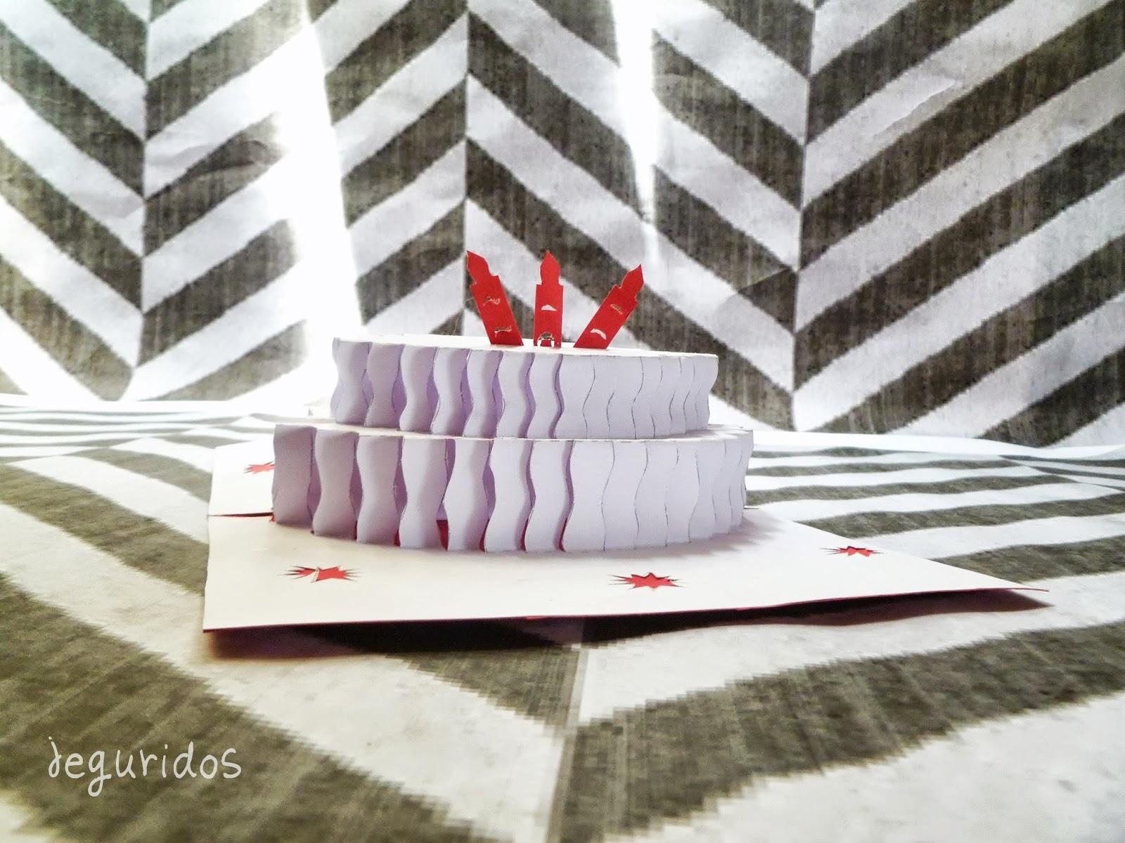 Tarjeta Pop Up pastel de cumpleaños ( pie ) – Jeguridos