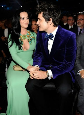 fotos Decote enorme de Katy Perry no Grammy 2013