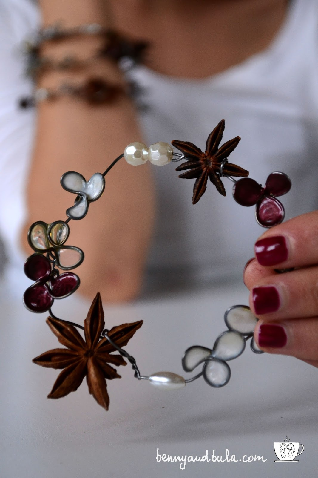 Natale 2015 girlande fai da te con fil di ferro, smalto e colla/DIY Christmas garlands wit wire glue and nail polish