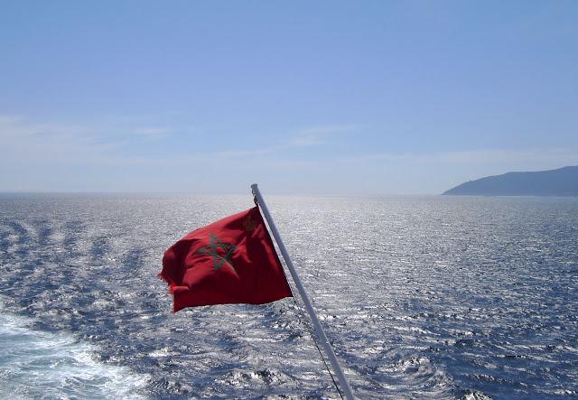 Przeprawa promowa Tanger - Algeciras | Pierwsza flaga Maroka na Blogu ;)