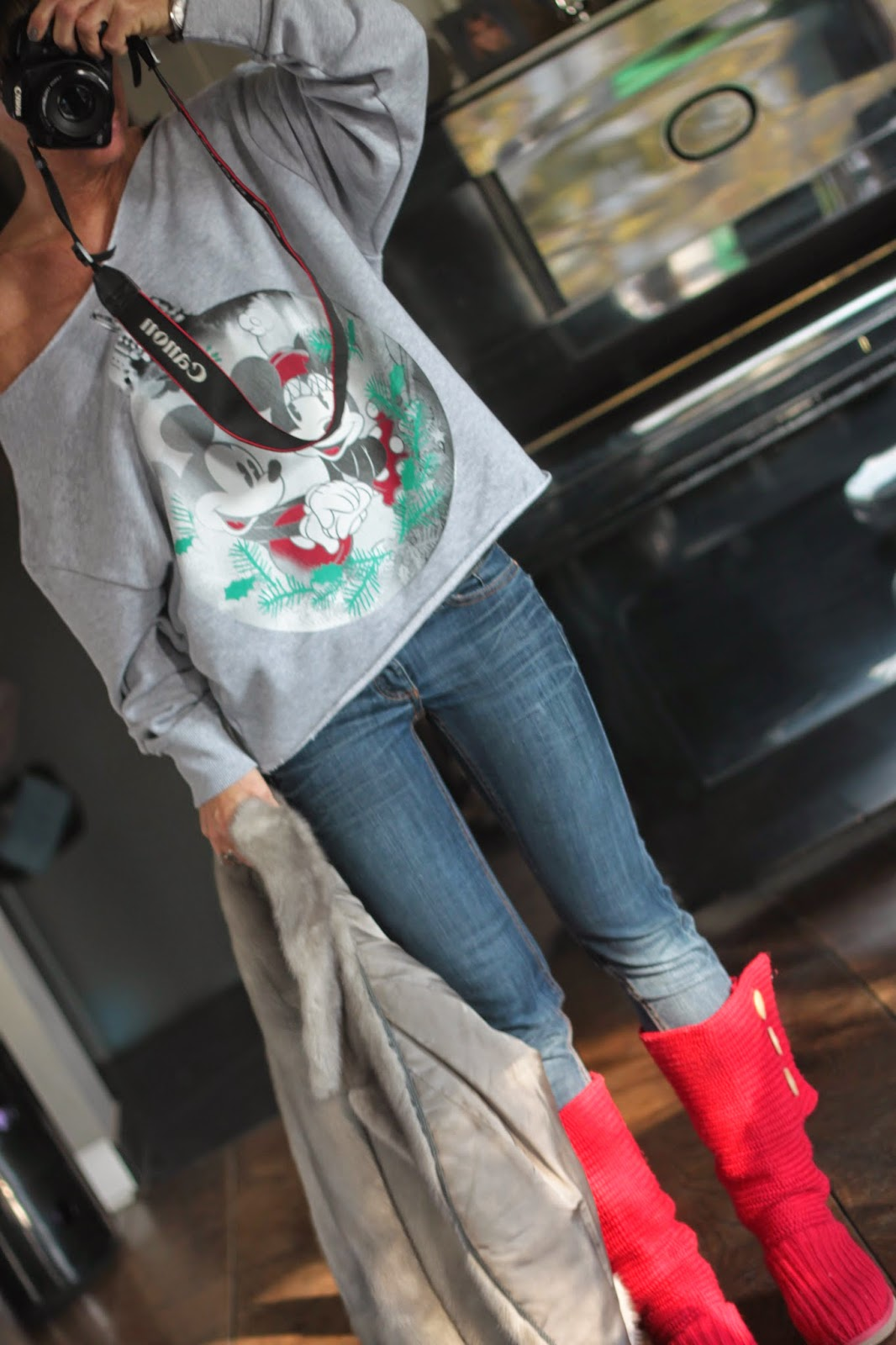 2onyogamats weihnachts sweater rote stiefel. Black Bedroom Furniture Sets. Home Design Ideas