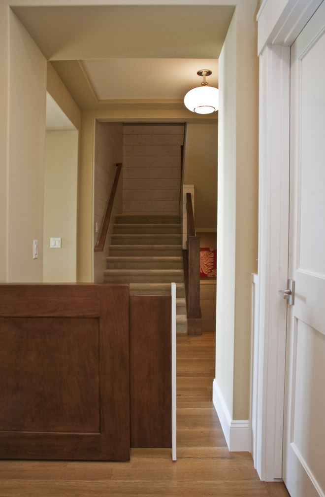 Man 39 s best friend or king of the castle visbeen architects for House friend door