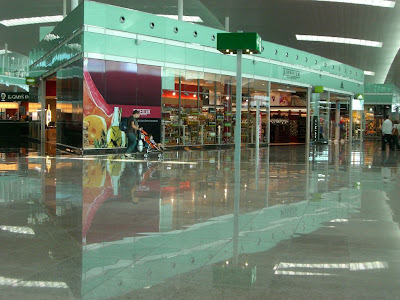 A shop in Barcelona Airport Terminal 1