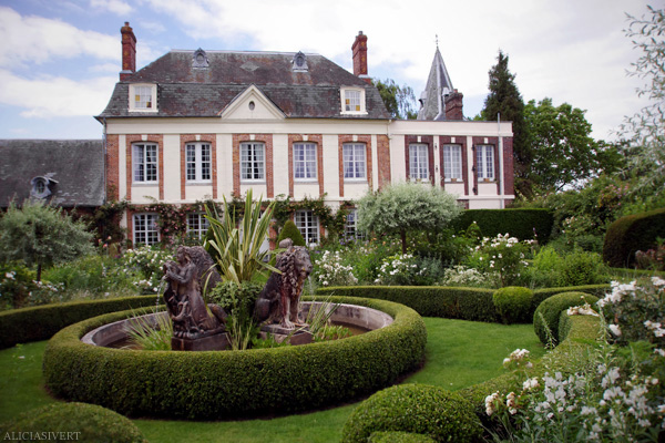 aliciasivert, Alicia Sivertsson, France, Normandy, Les Jardins d'Angelique, garden, gardens, flowers, house, roses, rose, lion, fountain, Frankrike, Normandie, trädgårdar, trädgård, blommor, hus, rosor, ros, lejon, fontän, lejonfontän