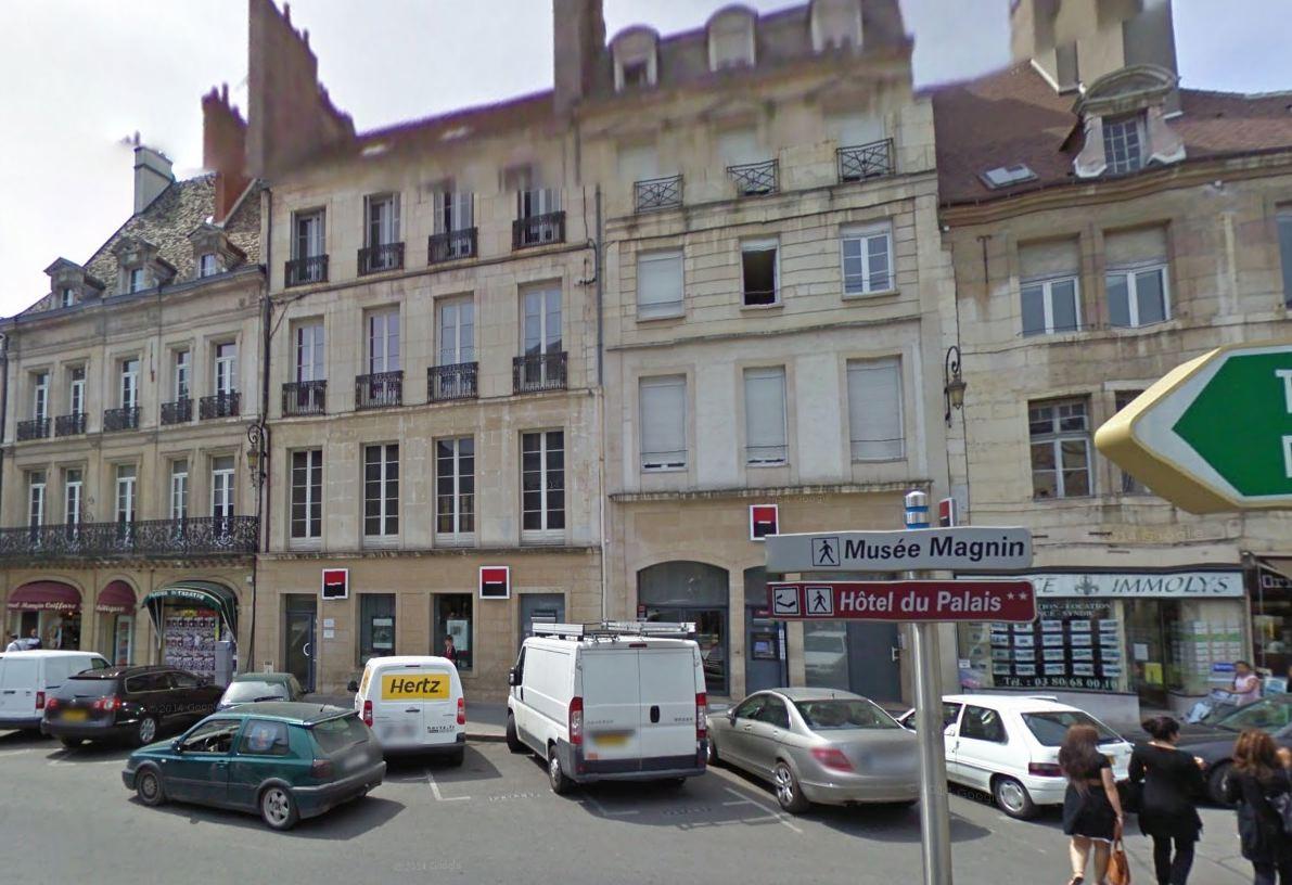 Dijon En 1900  La Place Du Th U00e9 U00e2tre   Une Agence De La