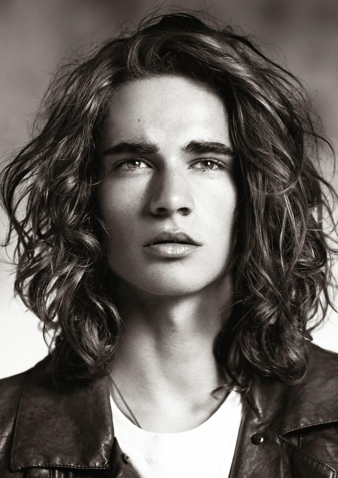 Extrêmement Tagli Capelli by Estetica.it: Uomo con capelli lunghi: look da  XL11