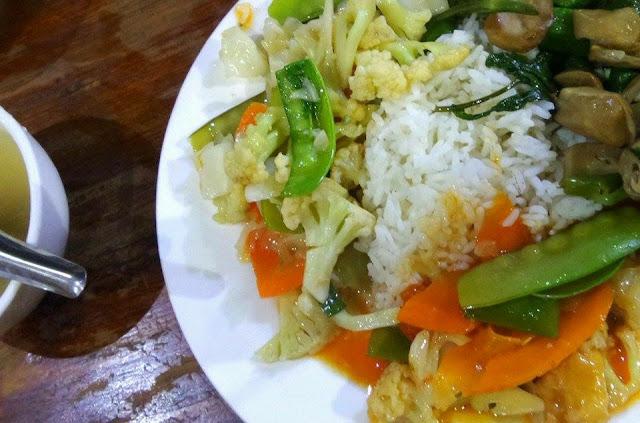 Avventure nel Mondo - Dolce Burma - ristorante Golden Shan - Mandalay