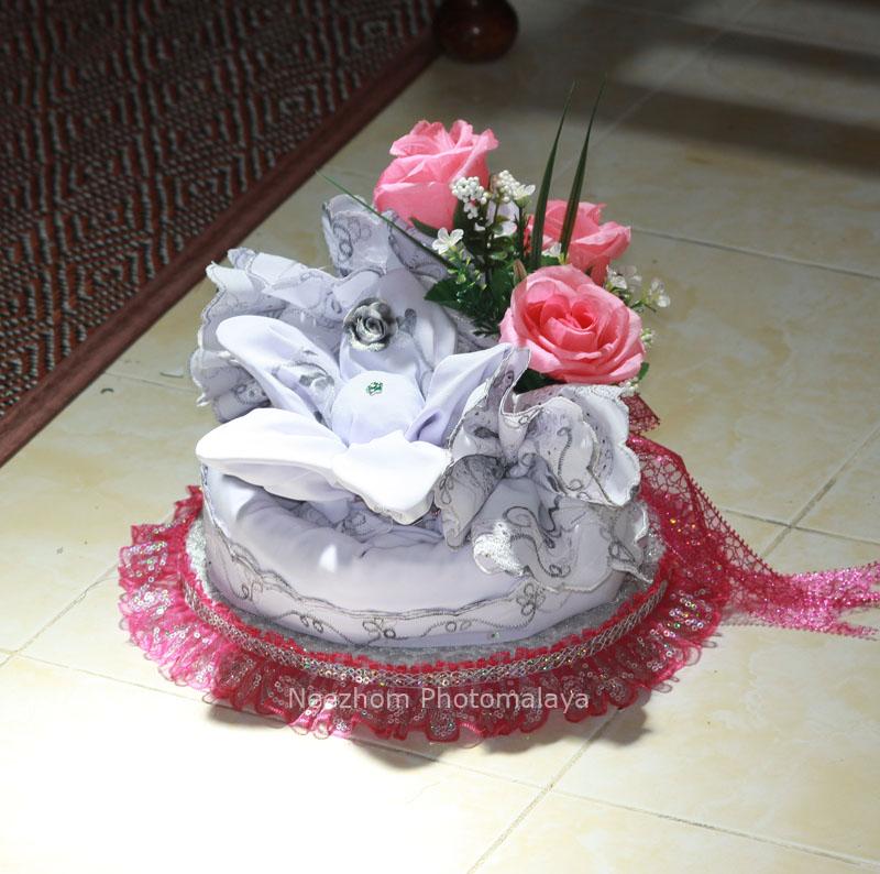 Gubahan hantaran kahwin - Kain sembahyang wanita