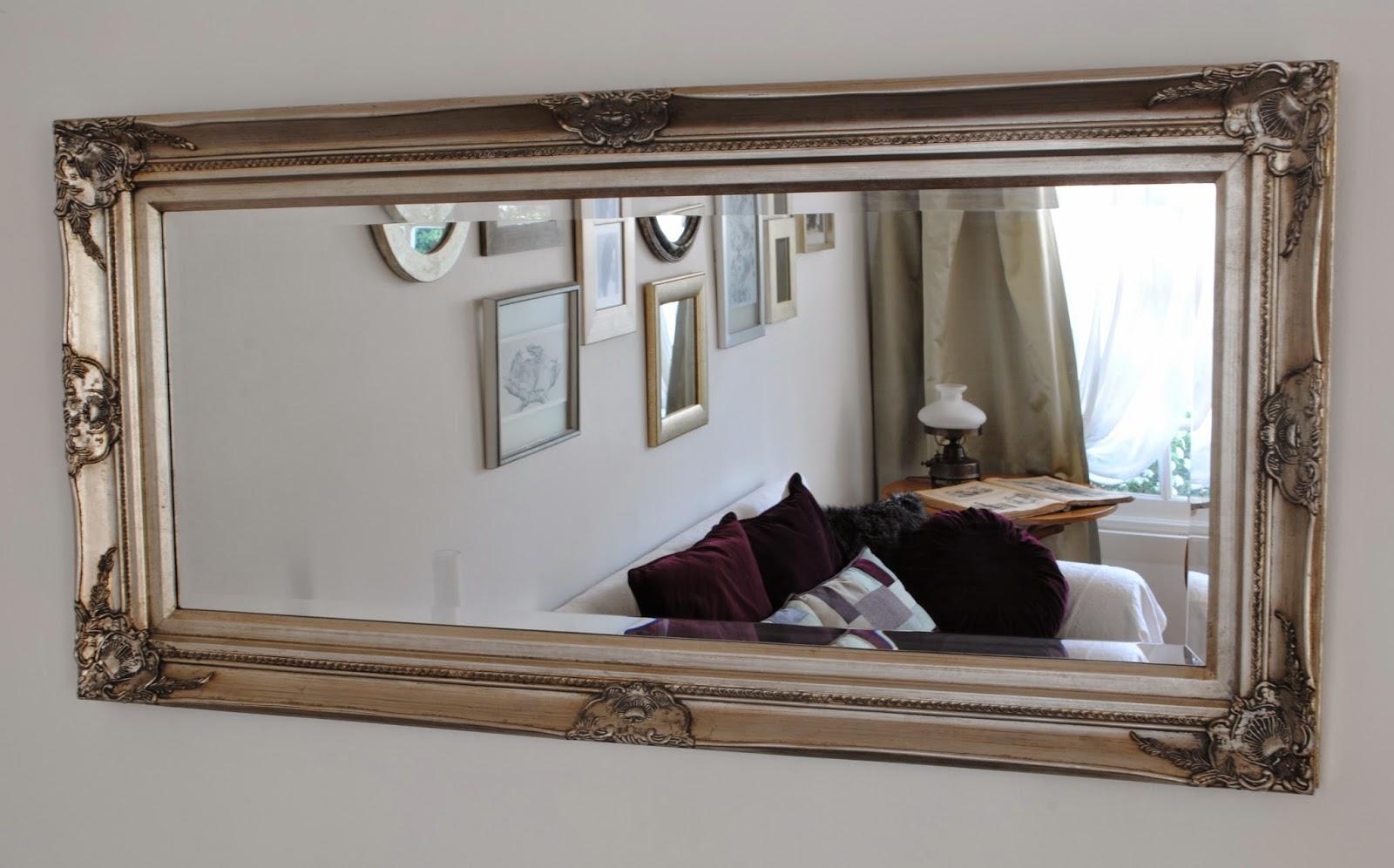 Paz montealegre decoraci n espejos ovalados y alargado for Espejos largos para dormitorio