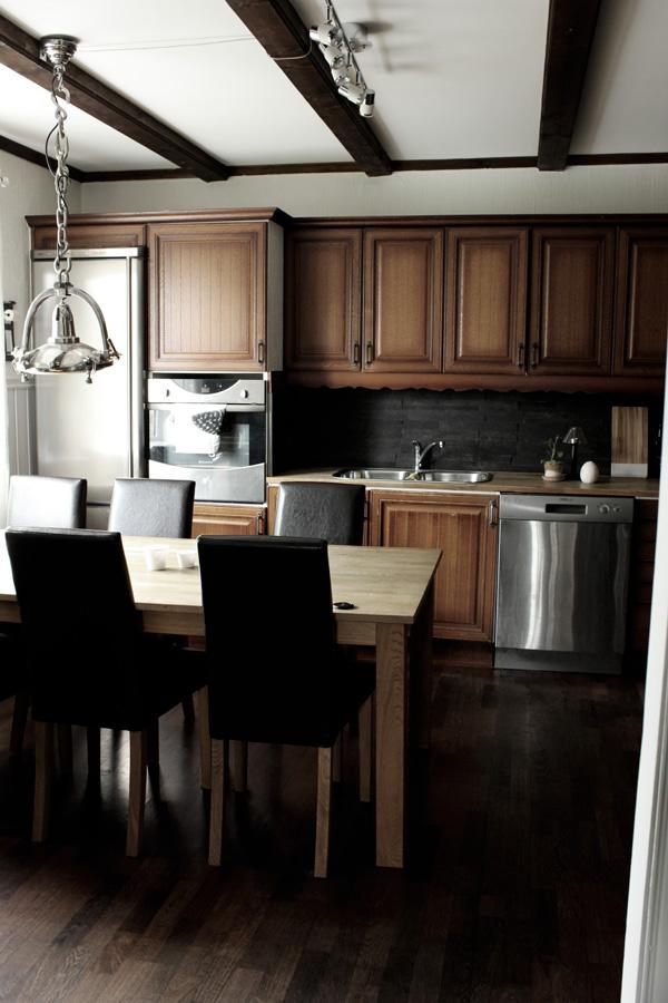 kök, köksluckor i brunt, inredning kök