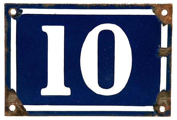 Imagem de um número 10, figura geralmente usada no portão das casas