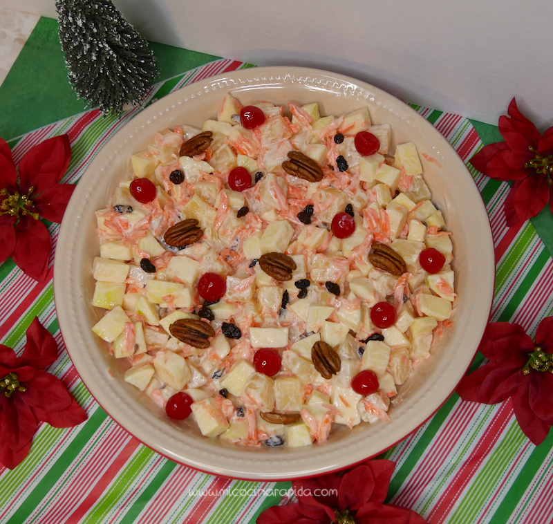 Ensalada navide a manzana pi a y zanahoria mi cocina for Decoracion de ensaladas