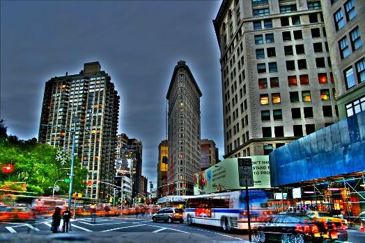 http://1.bp.blogspot.com/-vurn3RrO7wE/TfyfirKdOuI/AAAAAAAAFSE/kXlc-RvIdDo/s1600/Flatiron+Building+of+New+York++%252819%2529.jpg