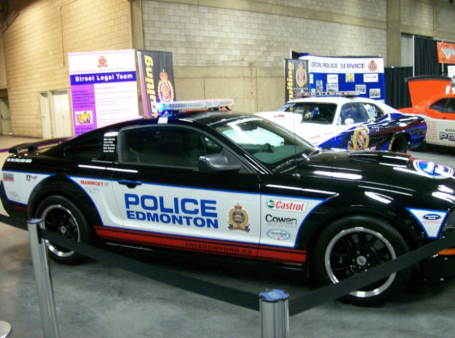 These Were The Diffe Types Of Cars Used By Various Police Forces Countries From Around Worlds Awesome Pics