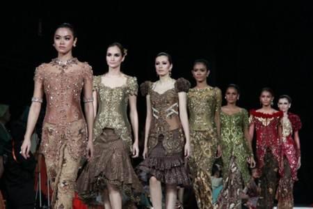 Model Kebaya Lengan Pendek | Annie Gallery|Busana Wanita Indonesia