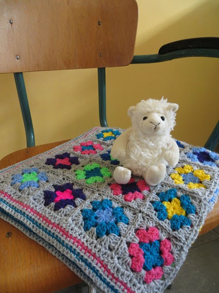 colorful granny square baby blanket by Apestaartje