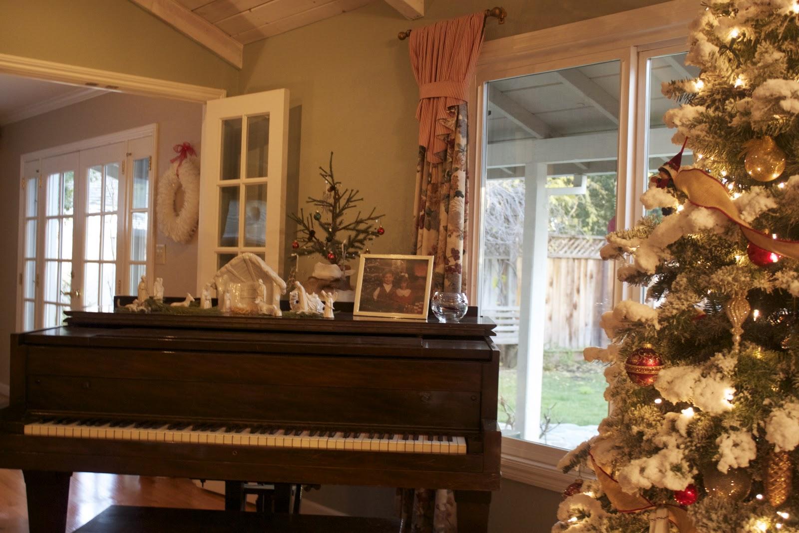 Holiday Decor Christmas Cheer Link Up Michaela Noelle
