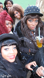 black gyaru, gyaru fashion, gyaru meet, chinatown, group shot, bubble tea,