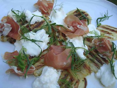 Gegrillter Fenchel mit Parmaschinken und Büffelmozzarella